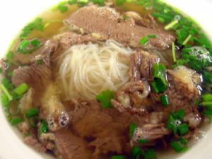 Phở bò Nam Định dùng nồi nấu phở công nghiệp