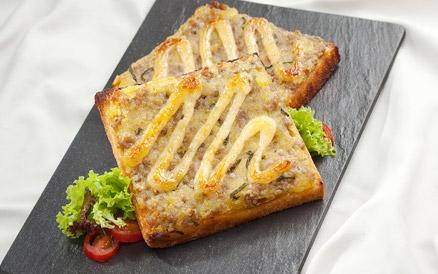 Sandwich nướng thịt băm