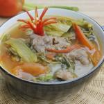 Làm mới thực đơn nhà bạn với canh chua nấu cá rô