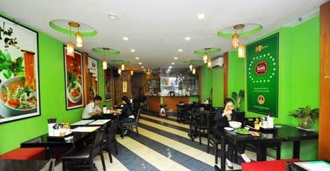 Quán phở Nam Hải tuyệt tác ẩm thực – Nồi nấu phở
