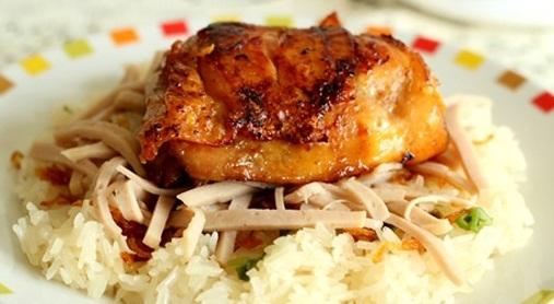 Cách làm xôi gà nướng vị dừa bằng nồi nấu phở điện